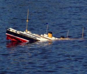 sinking_QE2